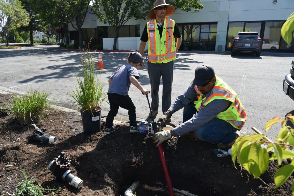 JobTrain East Palo Alto CA - Earth Day sustainable planting 2019
